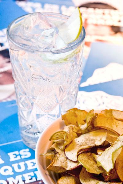 Gin Tonic de Martin Millers con crocantes de manzana